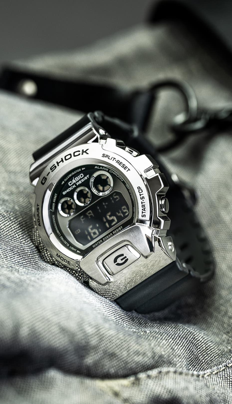 reloj plateado y negro G-shock de CASIO Cronoland